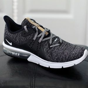 NEW Nike Air Max Sequent Sneakers Sz 8